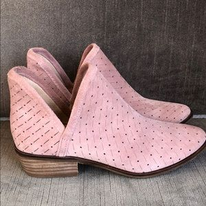 Lucky Brand Pink Suede Leather Ankle Boots size 6